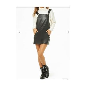 Forever 21 leather pinafore dress 🖤